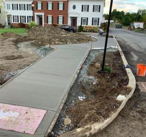 commercial-concrete-sidewalk-installation-underway