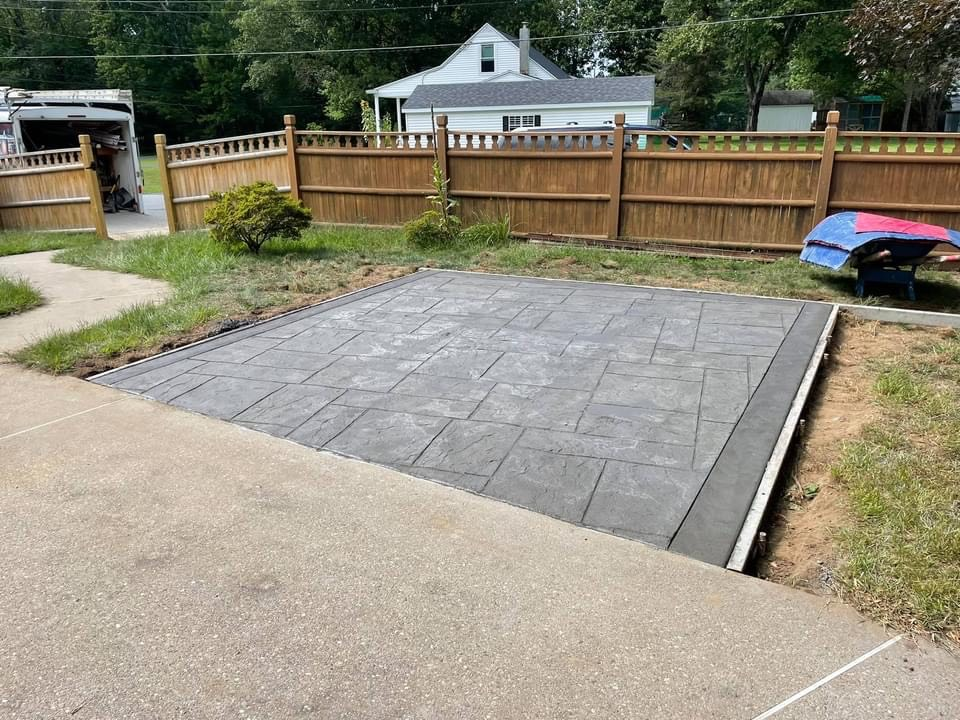 Ashlar-Slate-patio-with-border-Colonie-NY